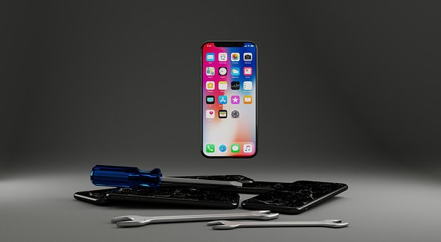 Benefits Of Having A Professional Take Care Of Your Apple Repair